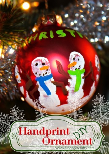 Capture your kiddo's little prints with this cute Christmas keepsake! A handpainted handprint ornament will be a treasure for years to come!