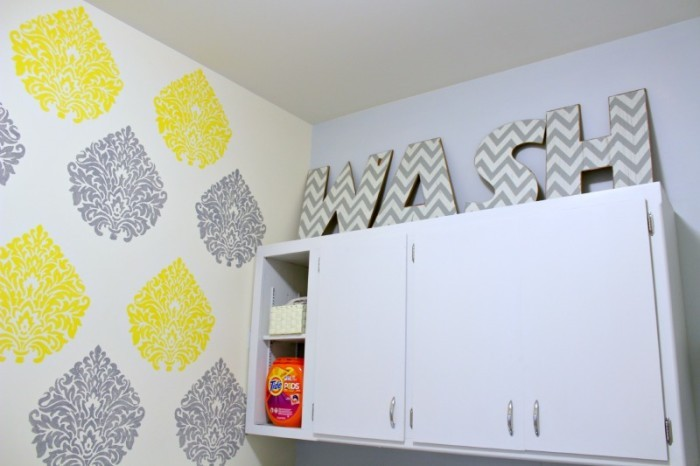 Organize your laundry room with these easy fixes! A little paint and some small changes make a mudroom makeover you'll love!