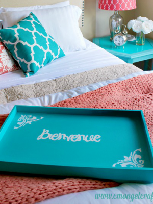 DIY Bienvenue Welcome Tray { Guest Room Decor }