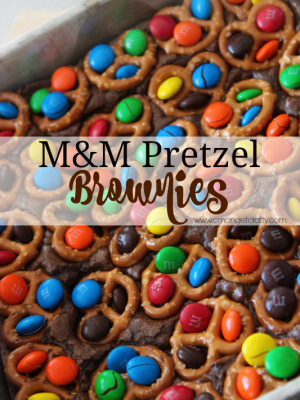 Movie Night Treats: M&M Pretzel Brownies