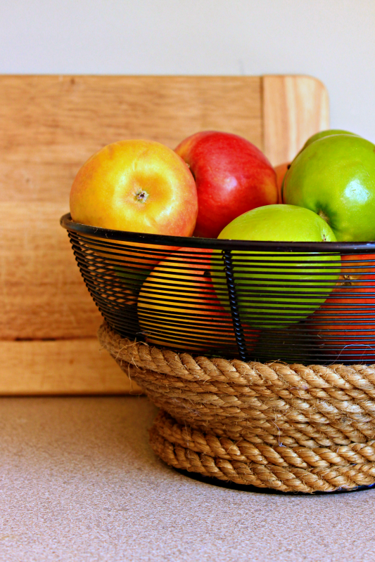 Try an easy update on a frugal find. Wrap a basic wire bowl in rope and add a custom look to your kitchen!