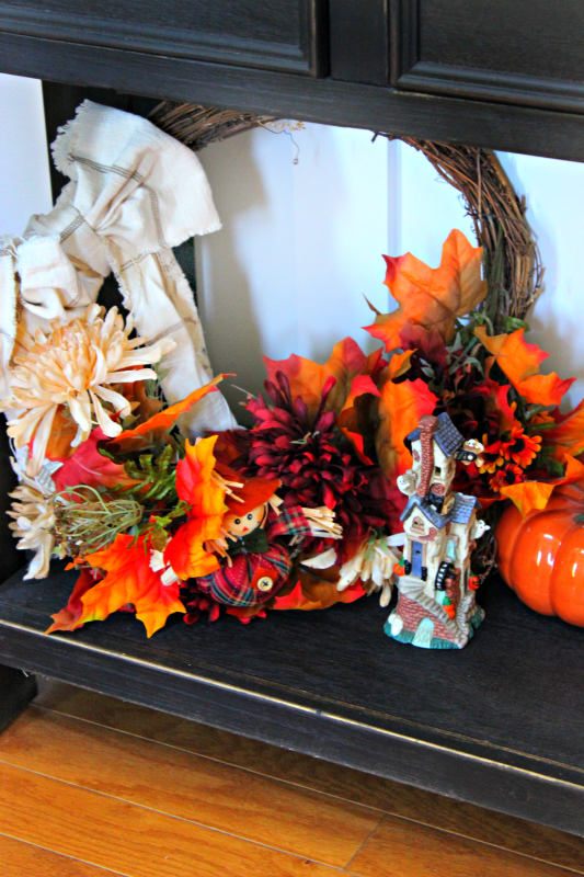 I love to decorate for the fall, and over the years I've collected a lovely assortment of pumpkins to decorate with each year. Check out my home tour and different ways to create pumpkin decor!