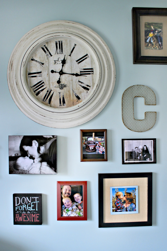 If you are tired of your bland gallery wall with symmetrical pictures and no flair, then check out what I used to update mine! #CraftRoomDestash
