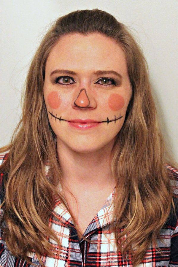 If you're more into glam than gruesome for Halloween, these easy Halloween makeup ideas will help you plan cute and pretty costume ideas!