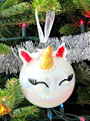 A little glitter and a little creativity creates a fabulous, sparkly unicorn ornament! See how you can make one as well! #christmas #ornamentdiy #unicorndiy