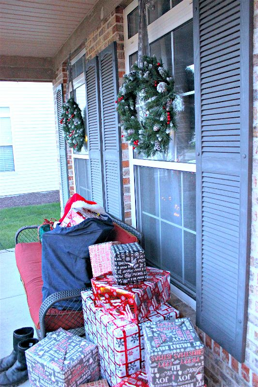 A Santa sack full of presents makes a fun front porch display! Toss his famous Santa hat on top and you're good to go!