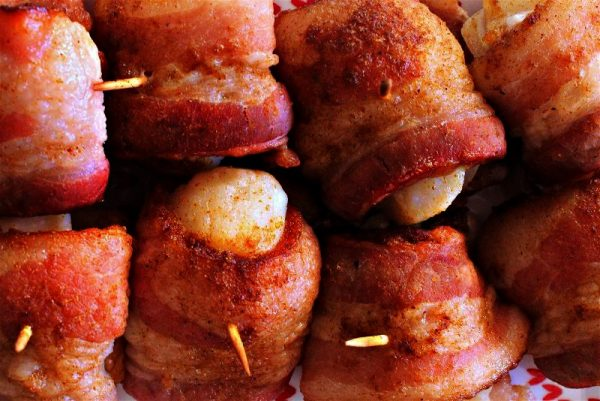 These bacon wrapped scallops will be the hit of your next party! The bacon is soaked in Coca-Cola for an added layer of rich flavor that can't go wrong! #LayerOnLove #ad