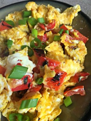 This is my favorite low carb egg scramble to make for breakfast! #keto #lowcarb #breakfastscramble #cheesyeggs