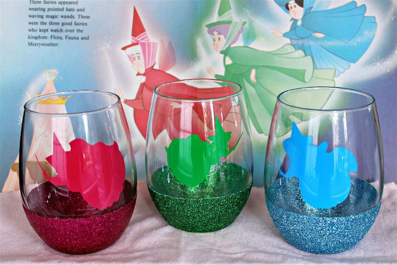 I had so much fun making these beautiful DIY glitter wine glasses inspired by my favorite Disney Movie , Sleeping Beauty! #MovieMondayChallenge #Disney #SleepingBeauty #Disneycrafts #diywineglass #diy