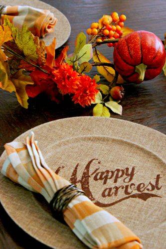 The leaves are turning, which means fall isn't far away. Decorating an autumn table can be a pretty and fun method for transitioning out of the summer slump. #autumn #fall #wayfair #autumntable #pumpkins #shopfall #leaves #autumndecor #homedecor #easydecor #affordabledecor #falldecor #falldecos #cmongetcrafty