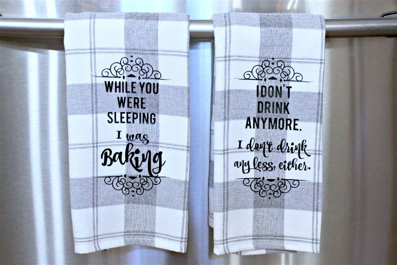If you are all about family, then I am with you. I am sharing a DIY kitchen towels movie quote craft based on a movie that reminds me every year of my own wacky family. #moviemondaychallenge #diy #vinyl