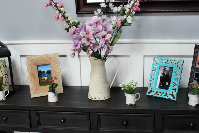 Add some pops of spring to your foyer and brighten up your home's entrance! Using faux flower arrangements keeps it low maintenance yet bright and fresh! #ad @Wayfair